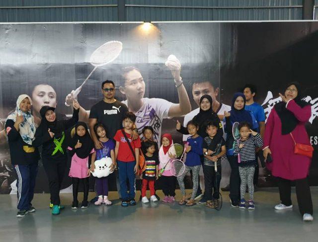 Main Badminton Di Puchong Sport Centre