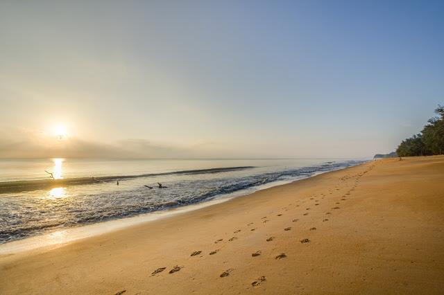 CHERATING SURIA BEACH RESORT.. CHERATING! MU TUNGGU AKU SAMPAI